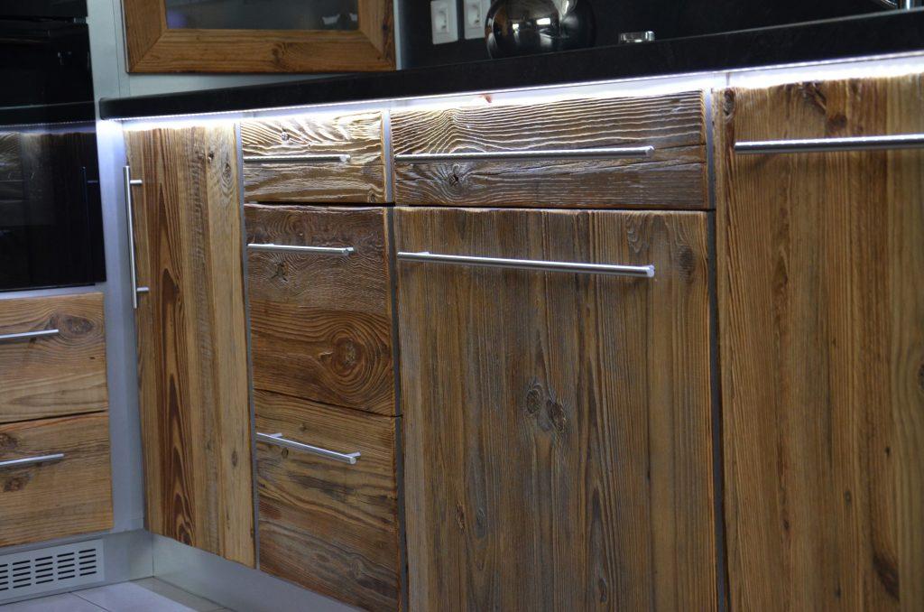 toucher crin de bois. Black Bedroom Furniture Sets. Home Design Ideas